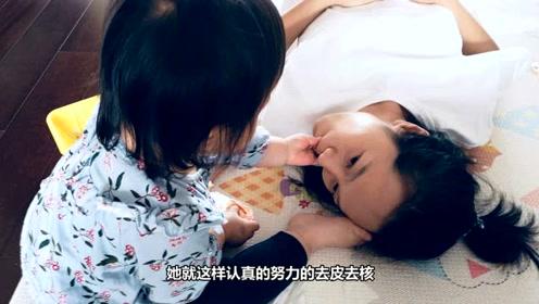 朱丹晒女儿给自己喂食照 萌娃体贴行为温馨十足