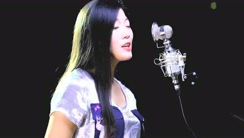一首经典老歌《朋友别哭》深情的演唱催人泪下,声音里都是故事!
