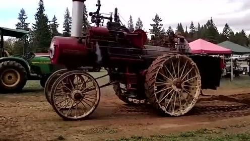 科技探索:国外老铁拿出老旧的蒸汽机,现在还能用!