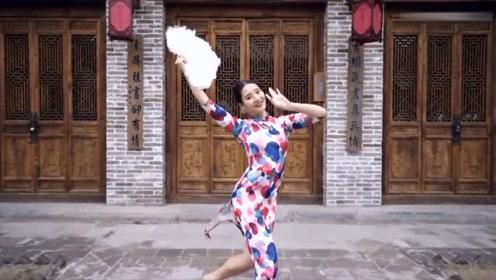 旗袍美女演绎动人古风舞《离人愁》这是我见过最魅惑的版本!