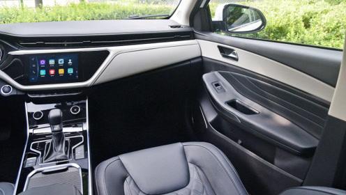 售价6.49万,车长超4米7,发动机保百万公里,比合资还靠谱