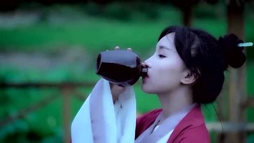 美食李子柒:诗一般的田园生活,酒醒只在花前坐,酒醉还须花下眠!