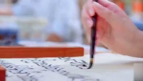 女子不识字假装识字,考试时看了一遍经文,竟一字不差默写出来
