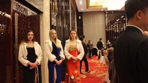 在俄罗斯住宿晚上可要小心!有美女敲门的话,不要去瞧她们!