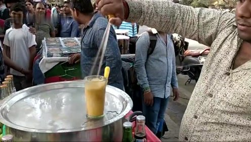 败家的印度饮料摊,用手滋出来的汽水才有灵魂!