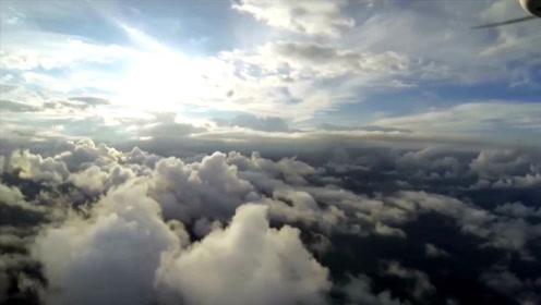 老外弄台大疆无人机,穿越云层后,对中国制造竖了起大拇指!