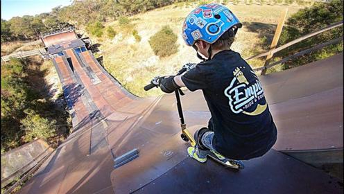 7岁小孩挑战最陡滑坡,比成年人更有勇气,放手瞬间不再是小孩!