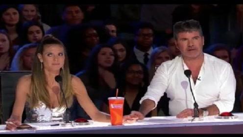 美国达人秀:让评委直接呆滞的表演,选手也太豁出去了吧!
