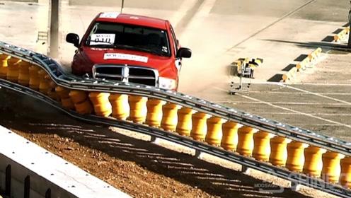 韩国发明超级高速护栏,大大降低了车祸死亡率,我国已经引进使用