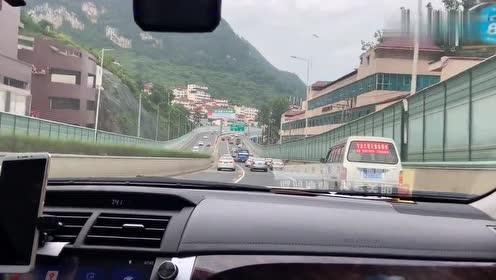 一条公路穿越大桥隧道,贵州贵阳中环路让人太惊喜了,爽就一个字