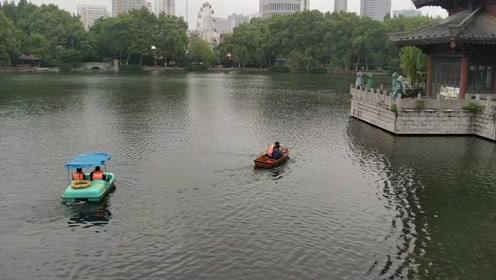 四月风光,座落在市中心的景色,历史悠久的公园之逍遥津公园