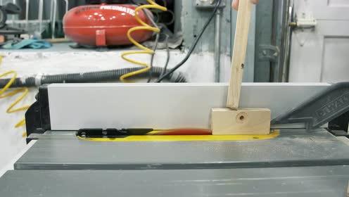 老师傅制作一个木工打磨器,做工精致,这手艺太赞了