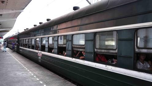 我们不知道的真相:乘坐火车卧铺时,为什么中途要收走车票?