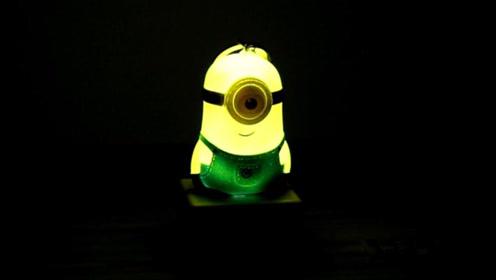 自制小黄人光控LED夜灯 手工DIY创意充电型光线感应床头灯