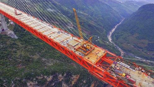 """世界最长悬索桥就在中国,有200层楼高,动用""""火箭""""才建成"""