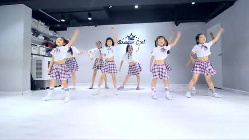 重庆渝北龙酷街舞芳芳导师作品《你的微笑》