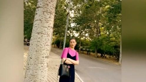 刘雯也有承受不住的穿搭,玫红色短袖吊带裙超模都变路人