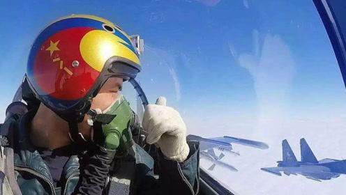 厚此薄彼?为何战机飞行员人手一个头盔,而客机人员却带个耳麦?