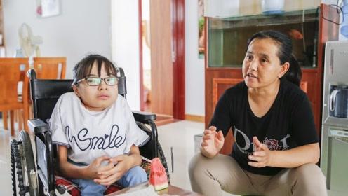 农村女孩患上怪病,母亲十年爬百万阶梯撑其求学,如今取得好成绩