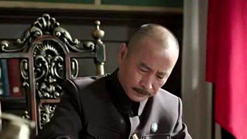 """黄埔一期中的""""大哥"""",为躲避解放军去当和尚,被俘虏时出尽洋相"""