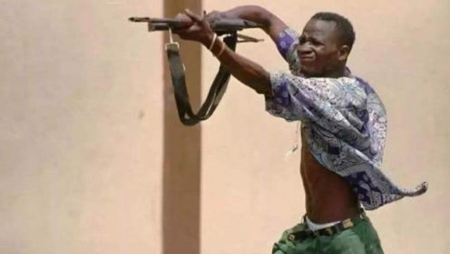 小巧玲珑的UZI冲锋枪,居然是恐怖的战场杀神!太意外了