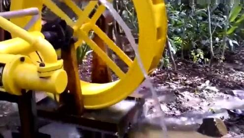 谁能告诉我这是干嘛用的,像水车又像水泵,形状太奇怪了!
