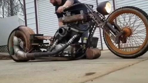 """摩托车中的""""霸王龙"""",搭载升降悬挂,一拧油门直喷大火!"""