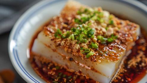 炎炎夏日,凉菜总是难免的,吃不到才伤心的伤心凉粉