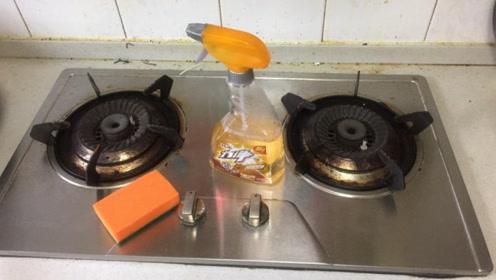 家里清洁剂不用买,教你自制万能清洁剂,不管多重的油污都不怕