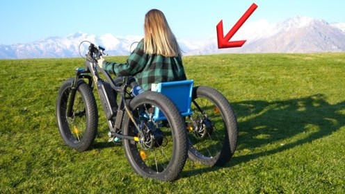酷!两辆电动自行车焊一块就成了越野轮椅,这动手能力太强了!