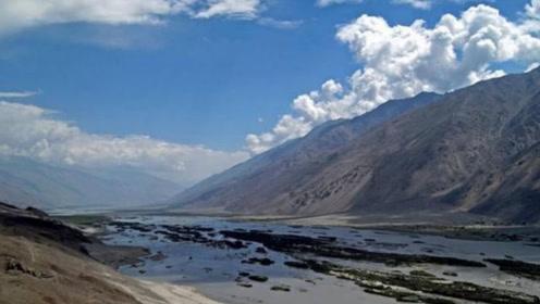 中国与阿富汗仅90公里,但为何两国却不修公路?看完就明白了