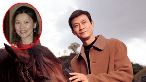 """郑少秋现任老婆曝光 隐瞒了整整30年 原来是""""赫赫有名""""的她"""