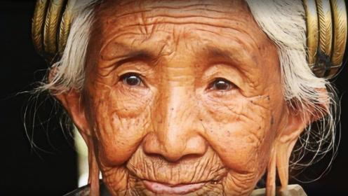 ps大神将80岁奶奶还原成18岁模样,孙子看完瞬间泪崩!