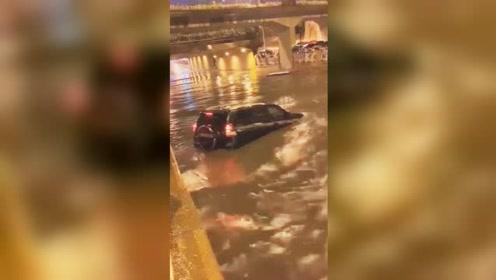 沈阳遇68年以来最强短时暴雨 消防出动141起救助138人