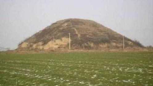 中国一土包多年寸草不生,考古专家查探后,立即请求驻军封锁