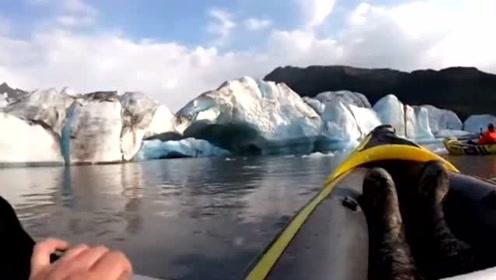 美国两男子近距离欣赏裂冰景观 遇冰块坠落险受伤