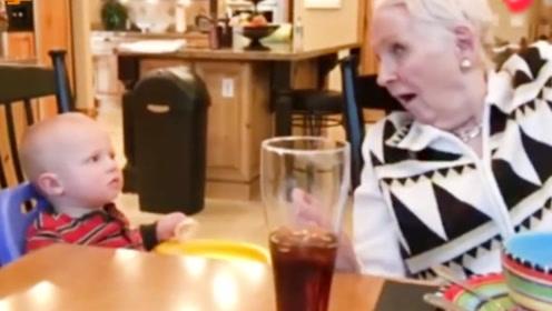奶奶当着宝宝的面摘掉假发,接下来宝宝的反应,让全家彻底笑翻了
