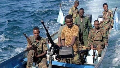 乌克兰货船被劫,海盗看到一物傻眼了,赎金直降3900万