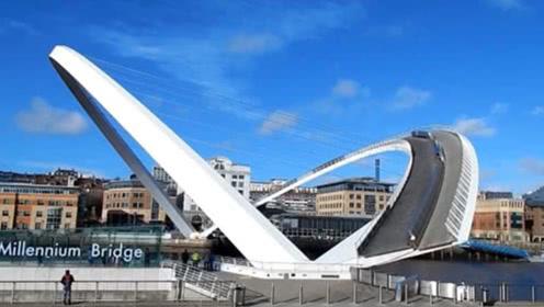 全球唯一旋转的桥梁,设计者获2.8亿奖金,开通3天却被停用