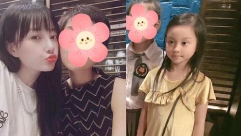 李小璐带女儿参加朋友聚会 6岁甜馨穿公主裙长发披肩很乖巧