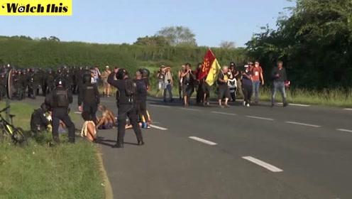数百名抗议者示威反对七国集团峰会 法国警方全副武装抓捕数人