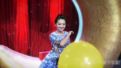 央视主持人在后台是怎样的状态?看到朱迅和月亮姐姐,网友沸腾了