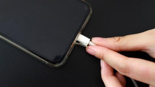 难怪手机一用就没电,看完手机充电的这5个误区,终于明白了