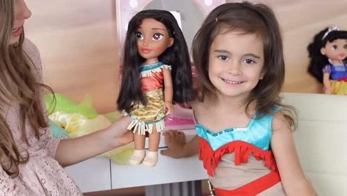 萌娃被姐姐打扮的真漂亮!萌娃:和玩偶一模一样呢!