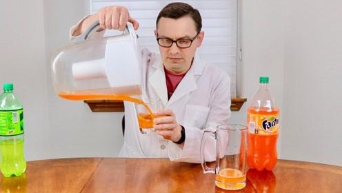 净水器的过滤功能有多强大?老外拿饮料做实验,网友:惊呆了