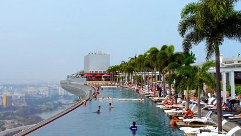 """全球最高""""无边""""泳池,建在198米高的顶楼,大量游客前来体验"""
