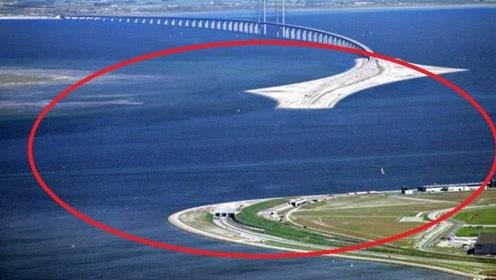 """世界上最神奇的大桥,行驶一半就""""断了"""",出来后已是国外!"""
