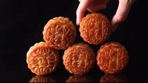 有关数据显示:今年中秋节,莲蓉蛋黄成最受欢迎月饼,五仁排第二