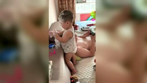 千万不能让爸爸带娃,我就上个厕所的功夫,就成这样了