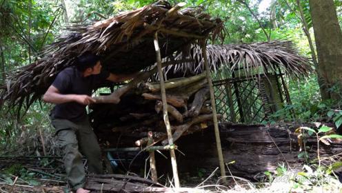 小哥丛林生存,配套设施基本完善,可长期居住下去